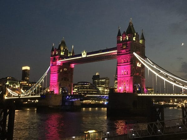Tower-Bridge-pink